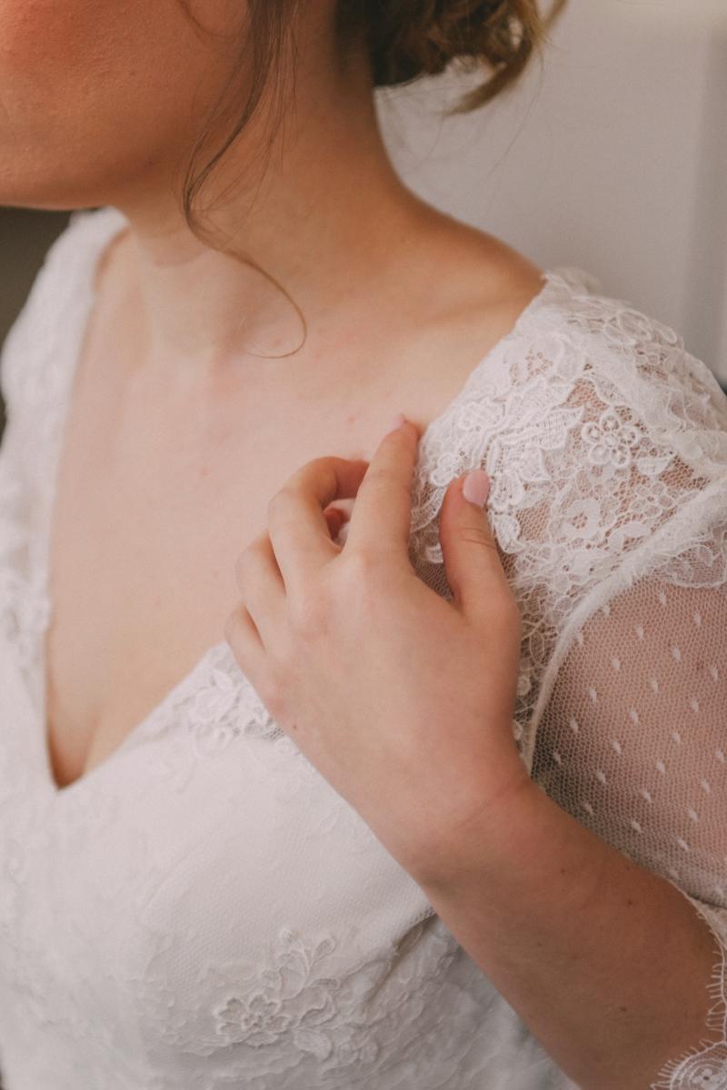 détail robe de mariée rétro